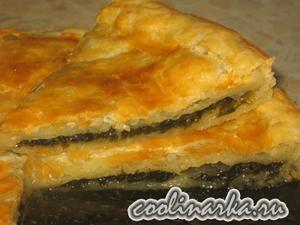 Пирог с щавелем из слоеного теста