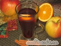 Глинтвейн с медом, яблоком и апельсином